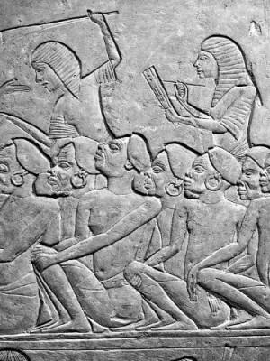 """342. """"Deus disse a Moisés: - Eu sou o Senhor. Eu vos tirarei dos trabalhos impostos pelos egípcios e vos libertarei da escravidão"""" (Ex 6,6)"""